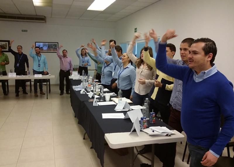 LA INTELIGENCIA GESTUAL. El Top Coach Juan Carlos Díez P. es experto en todo el espectro de la Comunicación y el Lenguaje Verbal-No Verbal. ¡Somos MARCA LÍDER en Oratoria y Presentaciones de Alto Impacto!