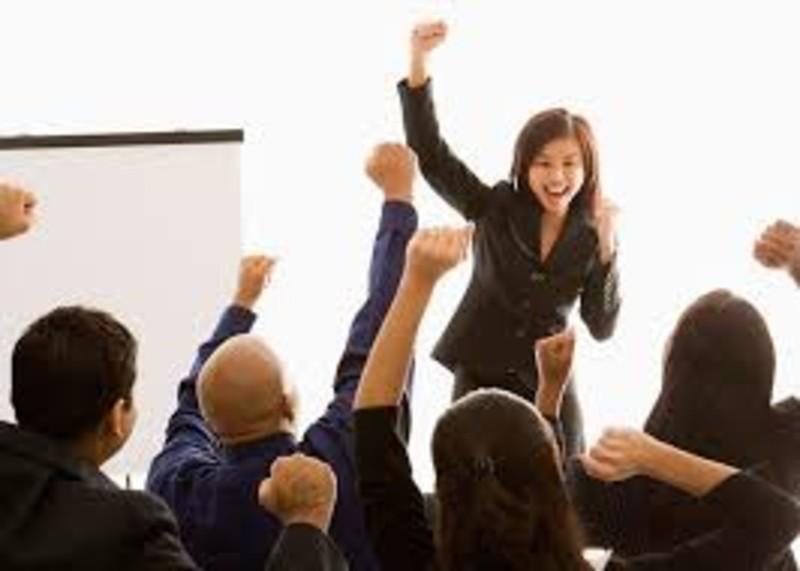 Liderazgo & Emprendimiento. ¡Los líderes CLASE E! observan y entran en acción! Artículo del Top Coach Juan Carlos Díez P.